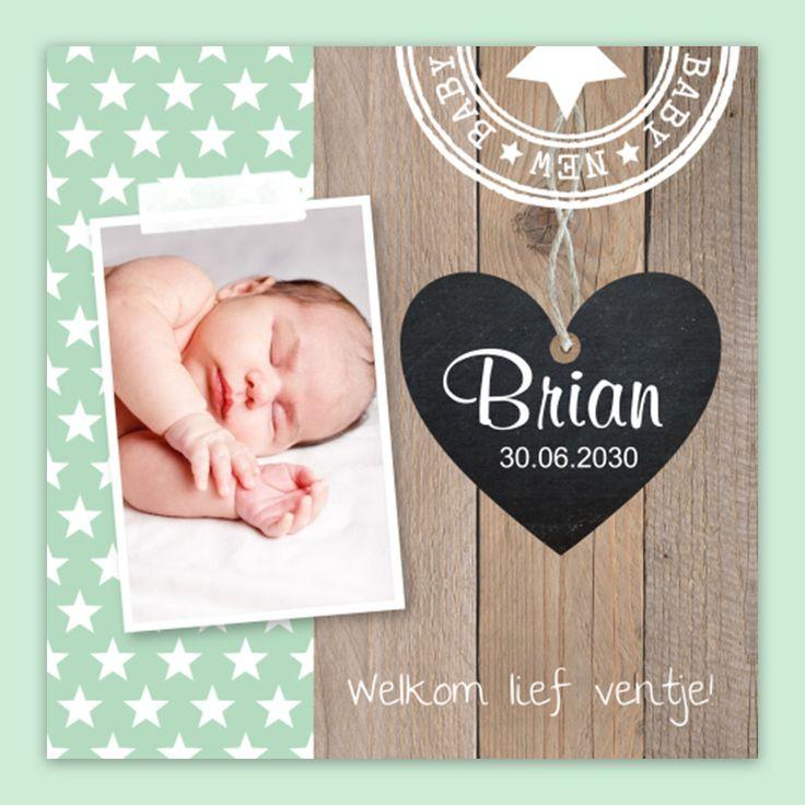 Ben je inspiratie op aan het doen voor geboortekaartjes? Hout op het kaartje is een tijdloze trend. Deze topper is daarom niet voor niets populair! #geboortekaartjes #jongen #sterren #babyuitzet #birthannouncement