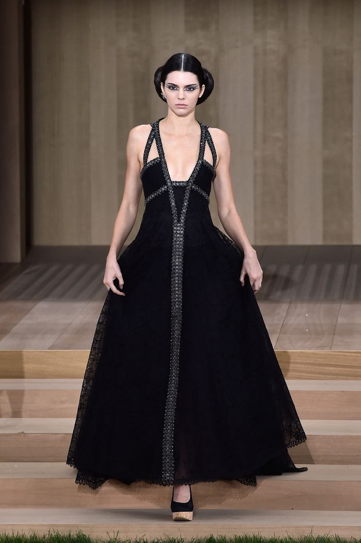 Jenner show 2015 chanel fashion kendall
