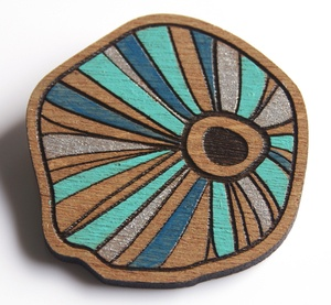 love these brooches