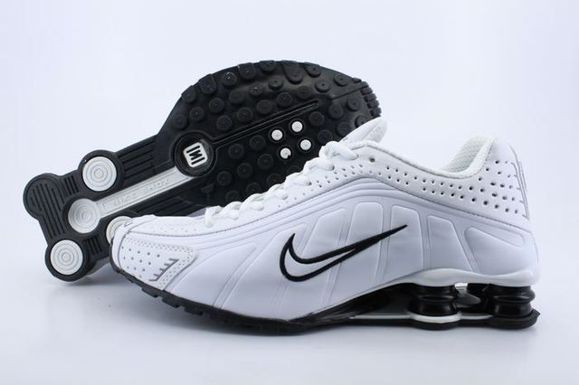 Mens Nike Shox R4 White Black I Shoes www.likeshoxshoes.com