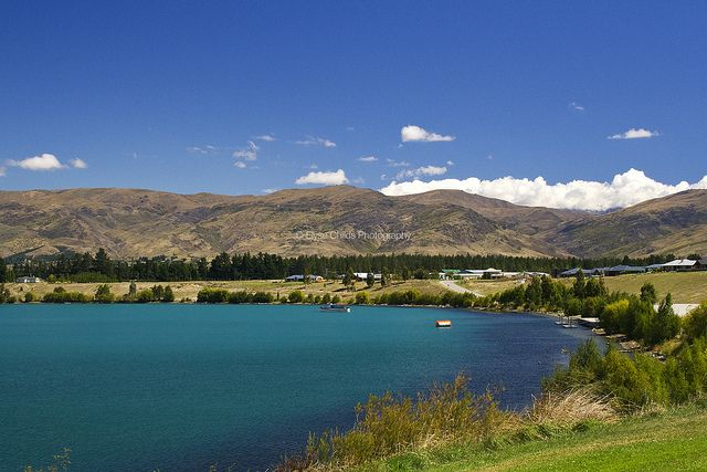 Lake Dunstan, Cromwell, Central Otago, South Island, New Zealand   © Elyse Childs Photography