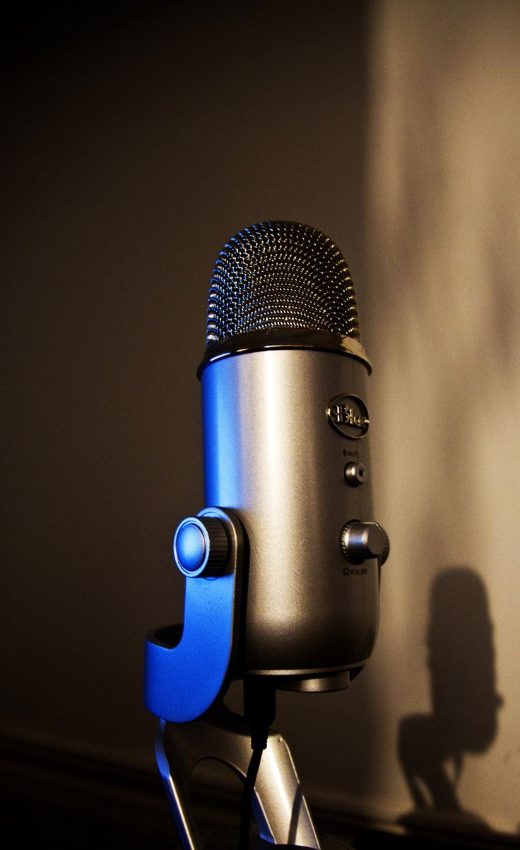 208-365 Might As Well Do It Proper - Photo a Day Project  I've been doing some voice overs and various audio for video and been on the lookout for a good USB Microphone, I picked this Blue Microphones Yeti USB Microphone up half price on eBay. It's good to grab a bargain.