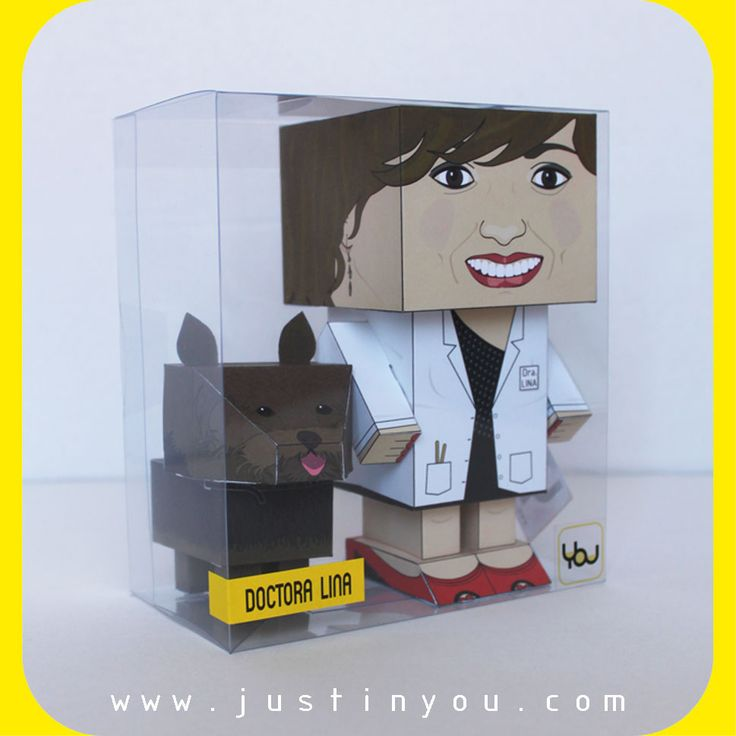 ¡La #doctora Lina y su #yorkshire ya tienen sus YOUtoys! ¿Quieres tu #miniyo con tu #mascota? Pídenos tus #papertoys #personalizados. ¡#Doctor Lina and her yorkshire have got their YOUtoys! ¿Do you want your #minime with your #pet? Ask for your #custom #papertoys.