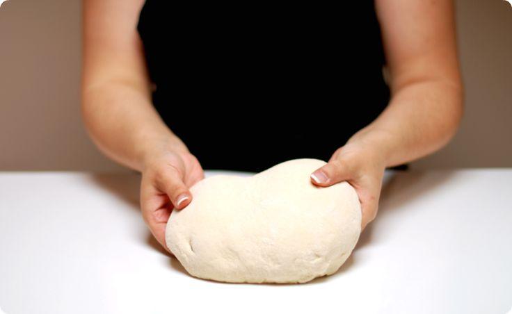 Aquí tenemos una receta específica para las personas con celiaquía. Un pan blanco que podrán preparar fácilmente con la ayuda de la Thermomix