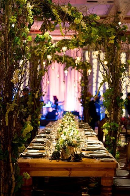 This nature-themed @Mandy Dewey Seasons Hotel Baltimore tablescape brought an enchanted forest indoors. Simply magical!