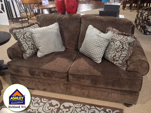 Crawford chocolate loveseat at ashley furniture in for Furniture kennewick wa