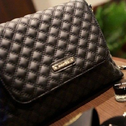 "@cs.ordersis's photo: ""Handbag : TB390 BLACK ""Material:  PU Leather Height:  19 cm Length:  27 cm Depth:  7 cm Bag Mouth:  Magnet Long Strap:  Yes Weight:  250g"" Rp159,000  #handbag #bag #tas #ordersis"""