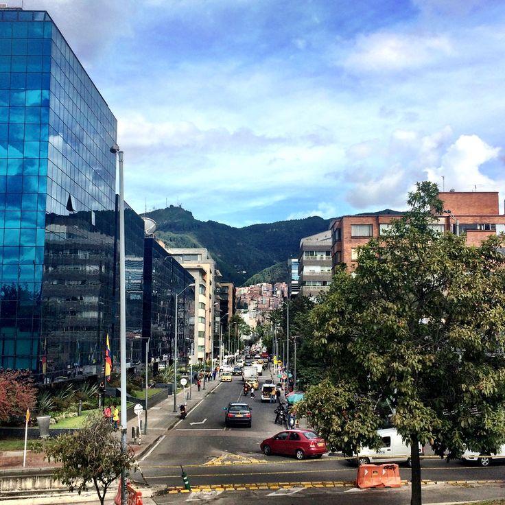 Reconocen esta calle?  Cuál es y en qué barrio queda? #localidad #chapinero #bogota