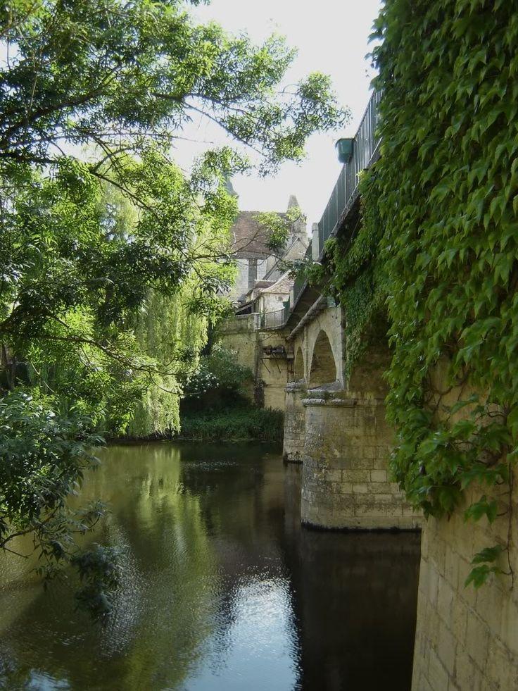 Angles sur l'Anglin - A Pretty French Village
