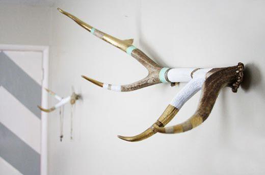 nice!!: Crafts Ideas, Coats Racks, Jewelry Display, Antlers Jewelry, Antlers Coats, Diy Jewelry, Antlers Art, Jewelry Holder, Paintings Antlers