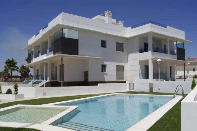Modern Apartment in Spain #apartment #modern #interiordesign #interior #exterior #home #living - HomeSketch.Org