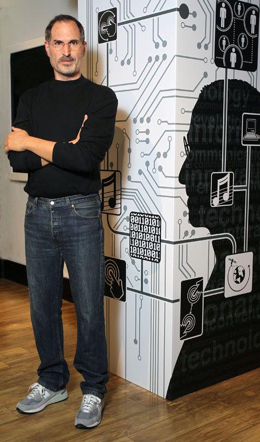 Steve Jobs Wax Statue