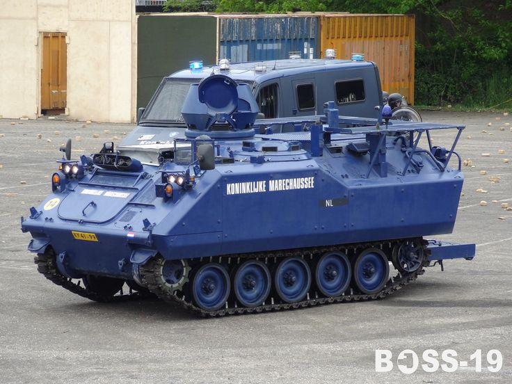 Koninklijke Marechaussee YPR-765