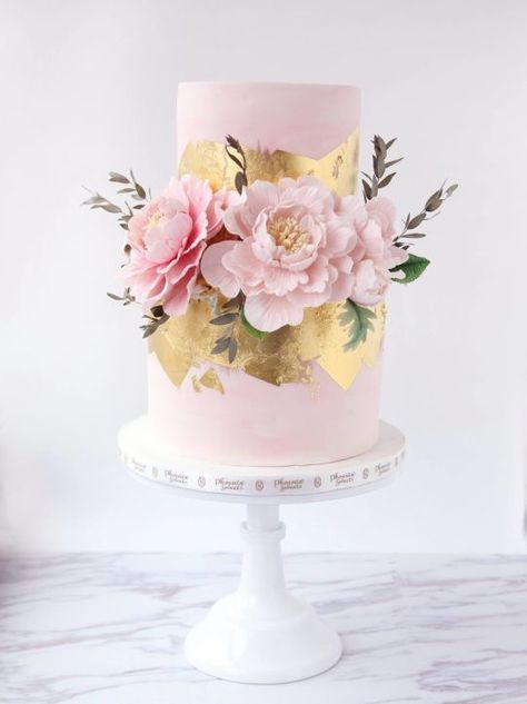 Sugar Peony Wedding Cake with a dash of gold - SO beautiful! If you're getting married in Cornwall or Devon and looking for incredible local cake makers, have a peek at www.pastiesandpetticoats.co.uk wedding blog (scheduled via http://www.tailwindapp.com?utm_source=pinterest&utm_medium=twpin&utm_content=post195280377&utm_campaign=scheduler_attribution)