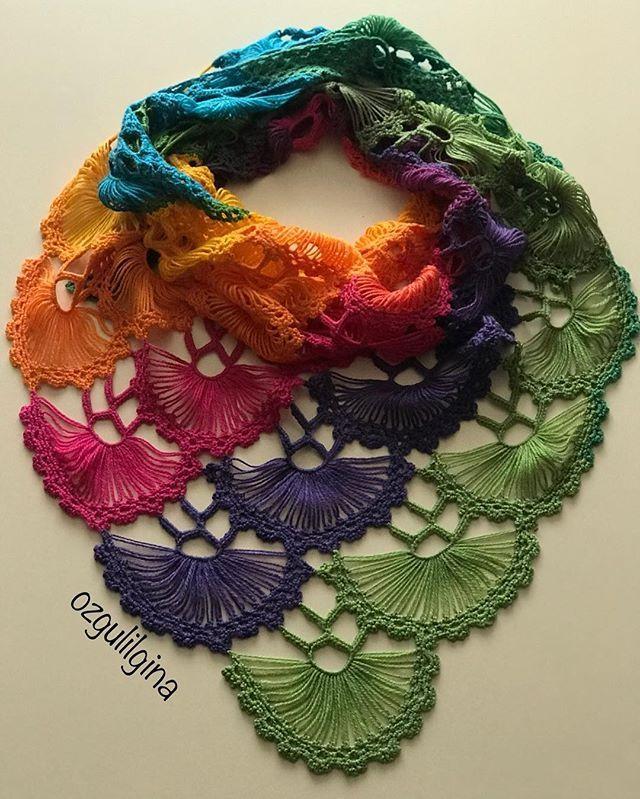 Günaydın Huzurlu bir haftasonu geçirmenizi diliyorum. . . . . . #örgümüseviyorum #hobi #elemeği #elemegigoznuru #crochet #crochetlove #knitting #knit #knittinglove #knittingyarn #shawl #instaknit #elişi #sevgiyleörüyorum #handmade #elörgüsü #elörgü#yarn #tığ #tığişi #severekoruyorum #severekörüyoruz #fular#şal#kredikartışalı