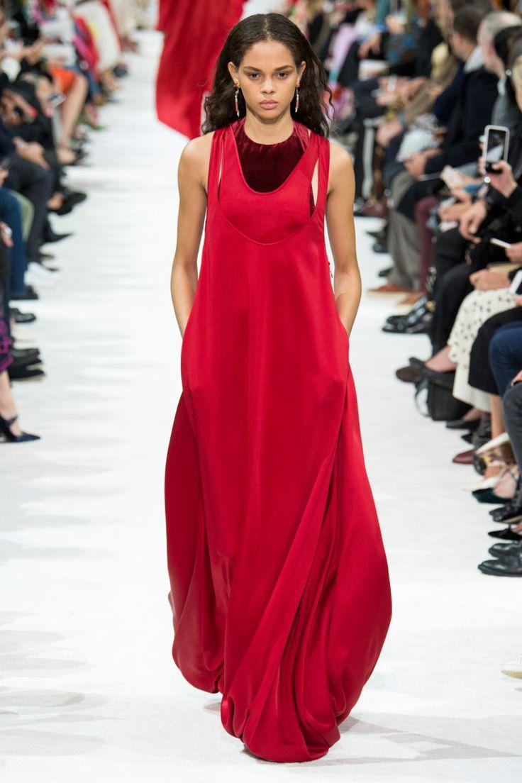 Valentino коллекция | Коллекции весна-лето 2018 | Париж | VOGUE