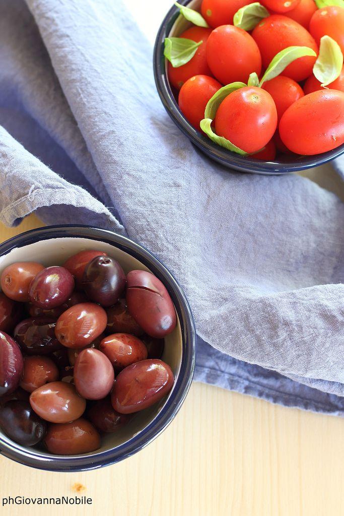 Pomodori e olive  Cosa ci farò? www.lacuocaeclettica.it/