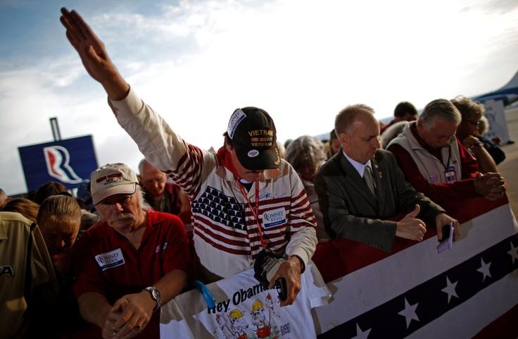 Foto eines Vietnam Veteranen bei einem Gebet für Romney ^^ #usa2012 #nazi