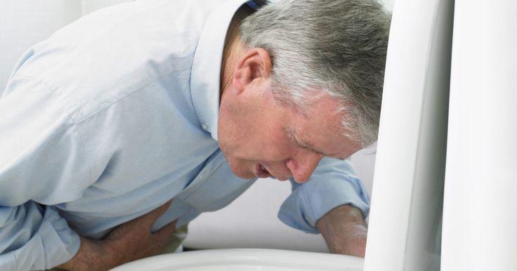 """Remédio caseiro para tratar ânsias de vômito. A """"ânsia de vômito"""" é um termo que é comumente aplicado a uma situação em que uma pessoa se encontra onde ela é incapaz de impedir a tentativa involuntária de vomitar após o conteúdo do estômago ter sido expelido. O corpo continua a realizar os movimentos, mas nada sai da boca. Isso ocorre quando a área do tronco cerebral que controla o vômito foi ..."""
