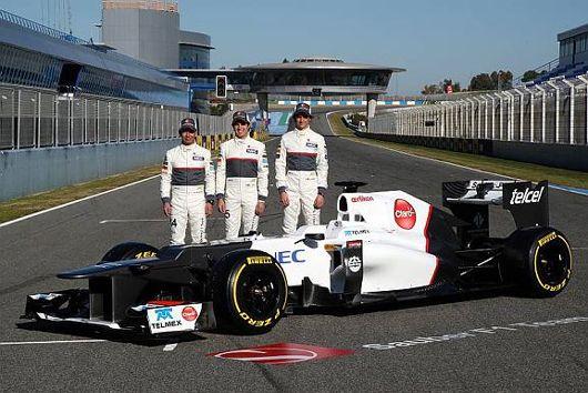 ザウバーは6日(月)、スペインのヘレス・サーキットでC31の発表会を開催。レースドライバーの小林可夢偉とセルジオ・ペレスが新車C31のアンベイルを行った。