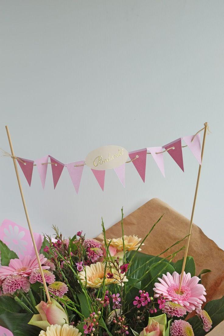 ElsaRblog: Vlaggetjes printen voor een taart of bos bloemen (Free printables)