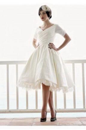 Какое платье футляр подойдет невысокой