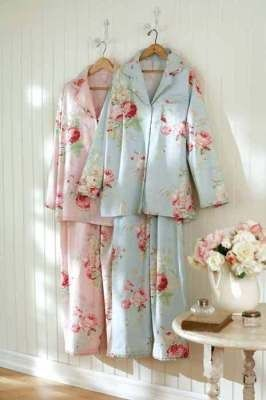 Shabby Chic pajammies. I want. I need. Get for me!
