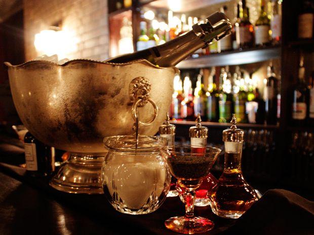 Secret Speakeasy : The ECC, Experimental Cocktail Club, Gerrard Street, London