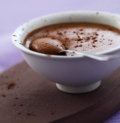 Pour passer un bon Desserts, nous vous proposons une recette de Mousse au chocolat et mascarpone . recette de cuisine, facile et rapide, par Les gourmands mediterraneens