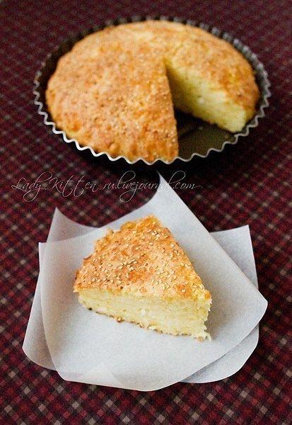 Простой и быстрый сырный пирог.