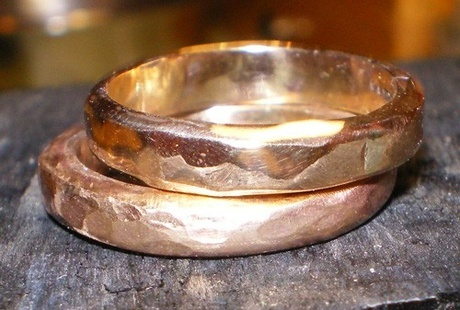 Shoply.com -18K yellow Gold Band, have a wonderful wedding. Only £955.00