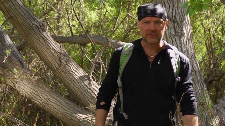 AFTER EARTH SURVIVAL TIPS.The danger is real, fear is a choice. Survival Tip Web Series afterearthstore.com. Les Stroud shows you several tips in situations of survival.