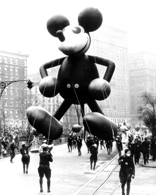 Mickey Mouse made his high flying debut in the Macy's Thanksgiving Day Parade in 1934 #disney