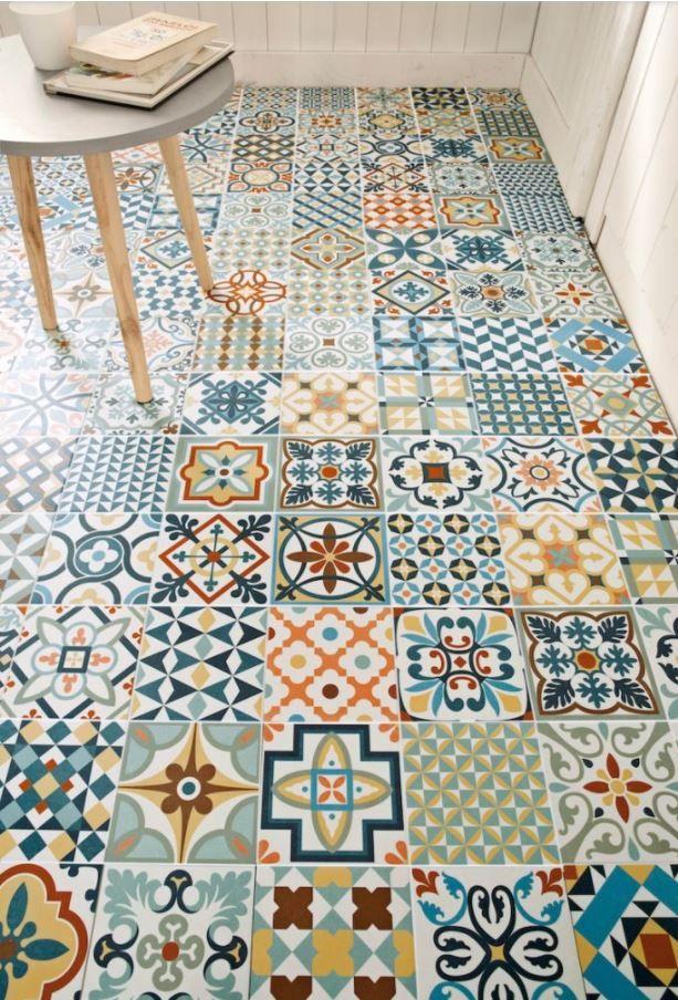 Mosaico hidr ulico en suelos y paredes descubre for Suelo vinilico mosaico