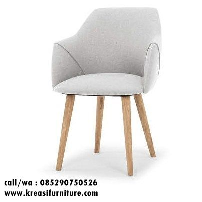 Kursi Cafe Murah Jok Swing merupakan kursi cafe model scandinav dengan bahan full kayu jati solid dengan balutan jok foam kenyal dan kain oscar halus..