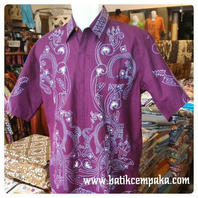 Batik tulis kemeja pendek,warna ungu Motif : Sepetikan (SPTK) Ukuran : M,L,XL Harga : Rp 240.000