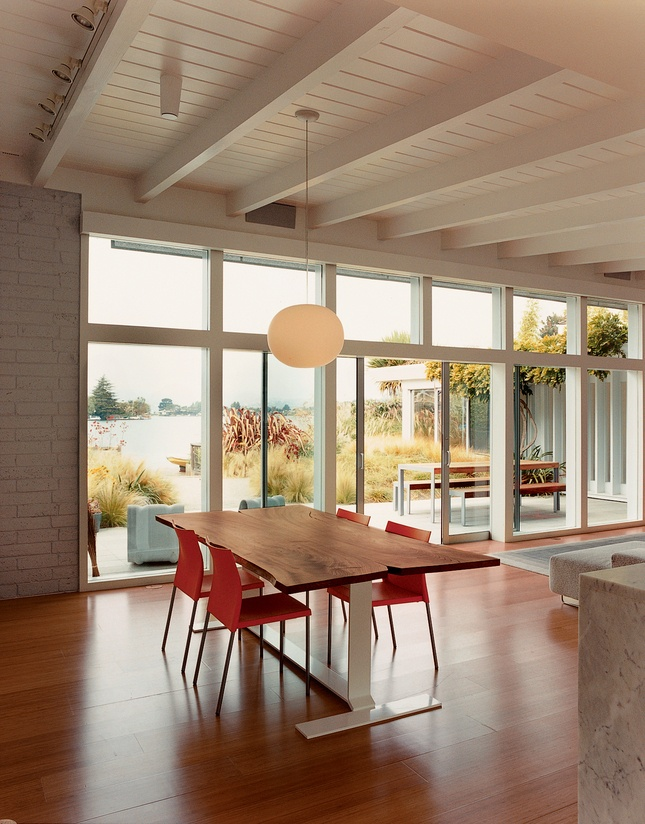 modern dining: Dining Rooms, Porches Lighting, Kitchens Tables, Todd Hido, Windows, House, Design, Dining Tables, Sliding Doors