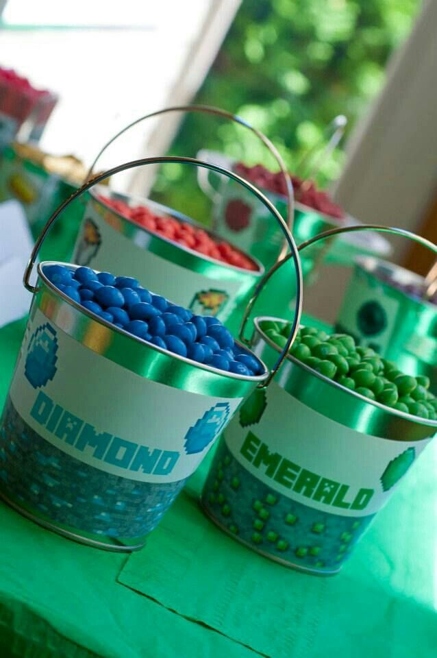 Different Minecraft stuff for a Bday party