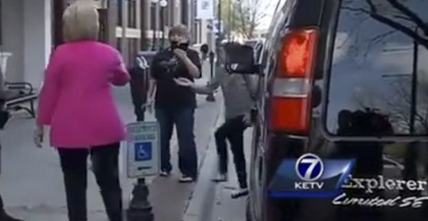 Video: Hillary Clinton's Campaign Van Parked in Handicap Spot Are Hillary's health problems more severe than revealed? INFOWARS.COM BECAUSE THERE'S A WAR ON   FOR YOUR MIND