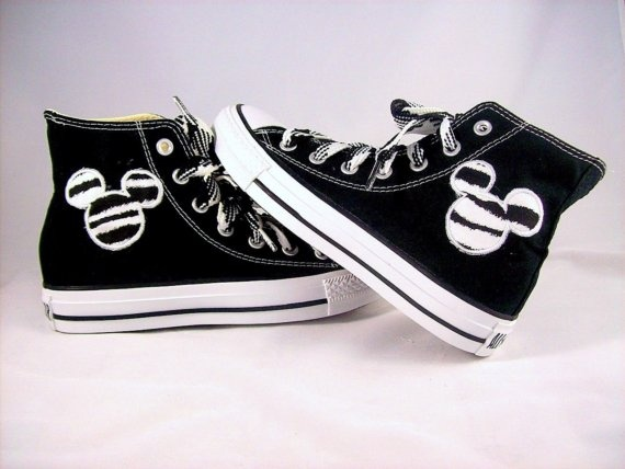 Mickey Mouse Converse!!! i want these so bad