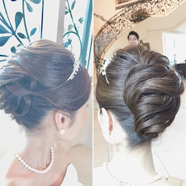 王道夜会巻きにアレンジとルーズさを加えて大人可愛く #hawaii#hairmake#hairarrange#makeup#hawaiihairmake#weddingphoto#photoshooting#TheTerraceByTheSea#53ByTheSea#TAKAMIBRIDAL#テラスバイザシー#タカミブライダル#ハワイウェディング#ハワイヘアメイク#ウェディング#ヘアメイク#ヘアスタイル#ヘアセット#ヘアアレンジ#花嫁#プレ花嫁#オシャレ花嫁#ウェディングドレス#美容師#夜会巻き#ルーズアレンジ