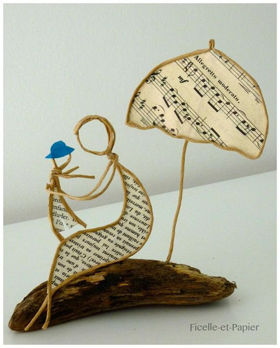 Collectible figurines MOM and boy sculpture in string and paper memento summer time seashore Solar umbrella present unique Kraft wire armed Driftwood