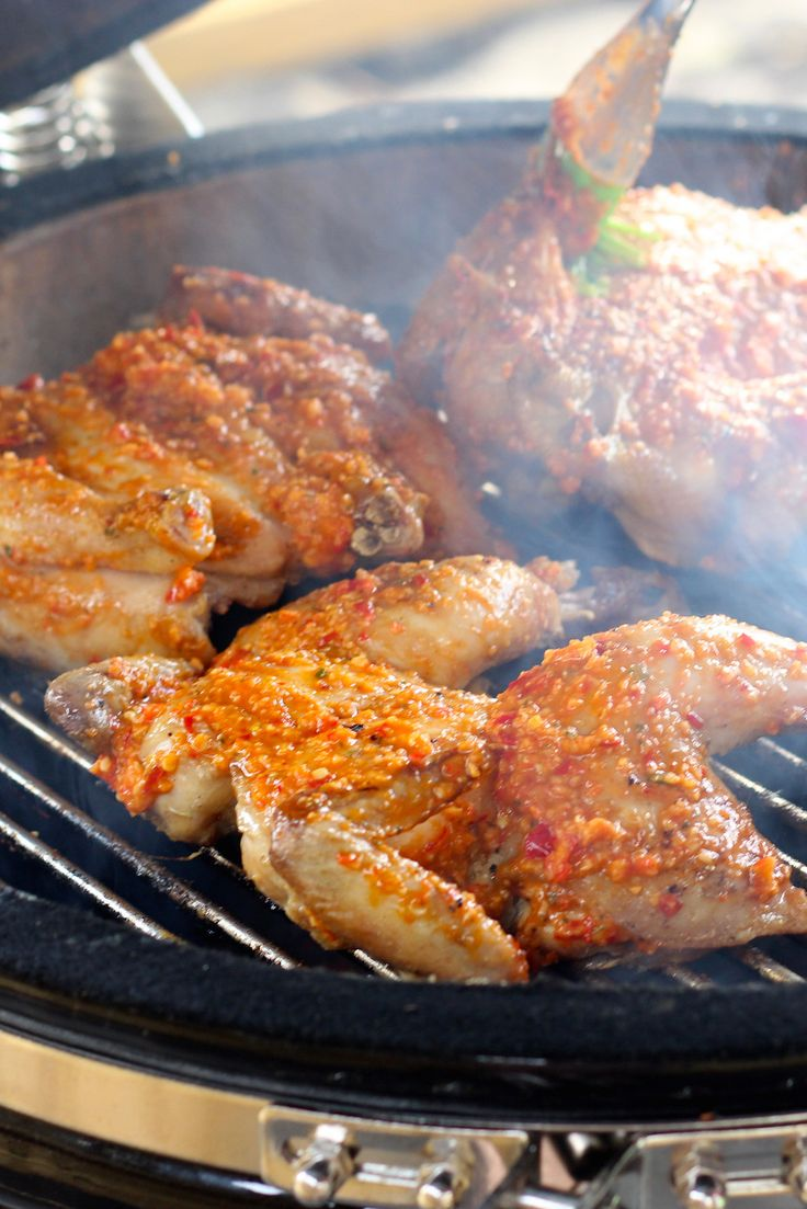 In de Algarve, specifiek in Guia, heb ik de geheimen van kip piri-piri ontrafeld. Uiteraard heb ik daarna mijn eigen kip piri-piri recept gemaakt. // Francesca Kookt
