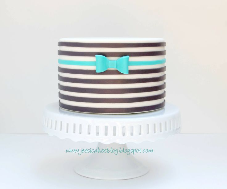 Jessicakes: How to make a horizontal stripe cake  Another fabulous, detailed tutorial (and link to the bow tutorial, as well).  <3