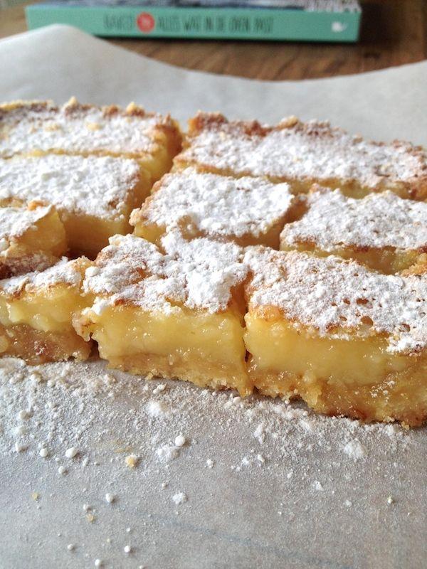 Vandaag maken we lekkere zomerse lemon bars, citroenrepen, met een beetje Siciliaanse zon - een recept uit het heerlijke nieuwe bakboek Baked Louie's.