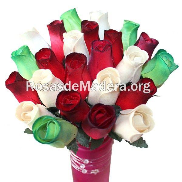 Ramo de rosas eterno   Un ramo de flores eterno de rosas de madera, perfecto para regalar a los tuyos para que nunca que se marchite tu detalle. #detalle #regalo