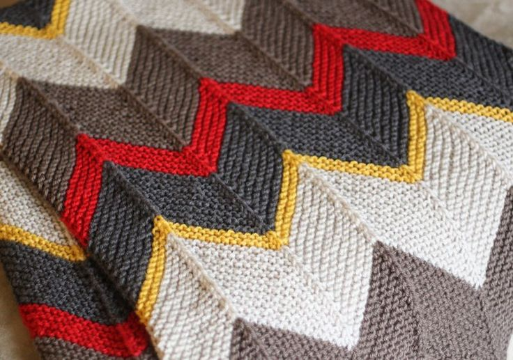 GORGEOUS knit blanket from the amazing small & friendly blog!