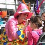 Lyly ou Siflotine maquille les enfants lors de fêtes privées (anniversaires, mariages) ou publiques (marché campagnard). Nous allons aussi dans les entreprises pour les arbres de noël ou le repas d'été des collaborateurs !