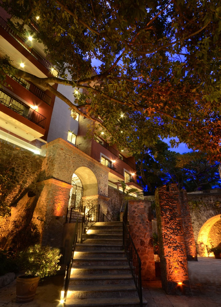 The new wing at the Hotel Hacienda de Cortez in Cuernavaca... another good reason why I LOVE MEXICO