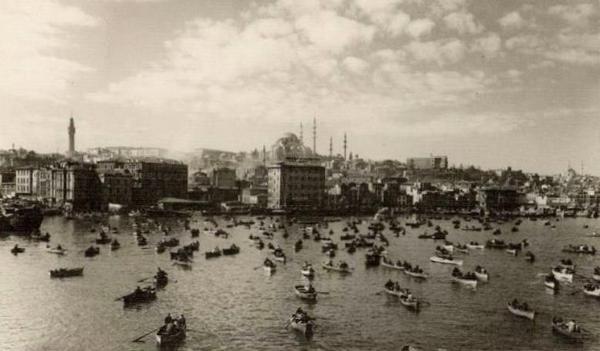 Haliç'te balık bereketi (1950'li yıllar. Othmar Pferschy) #istanbul